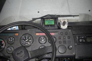 Вид из кабины водителя. Терминал мониторинга транспорта СКРТ обрабатывает информацию от датчика