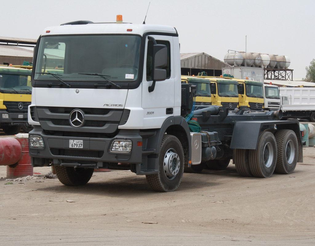 Mercedes Actros 3 Axle 1