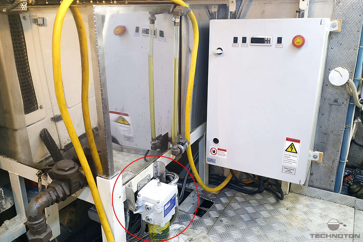 The choice of mounting location of the fuel flow meter on a vessel