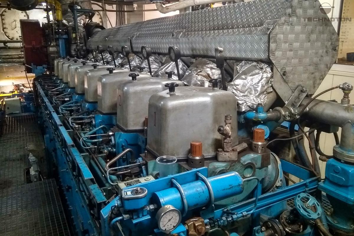 Motor diesel marino.
