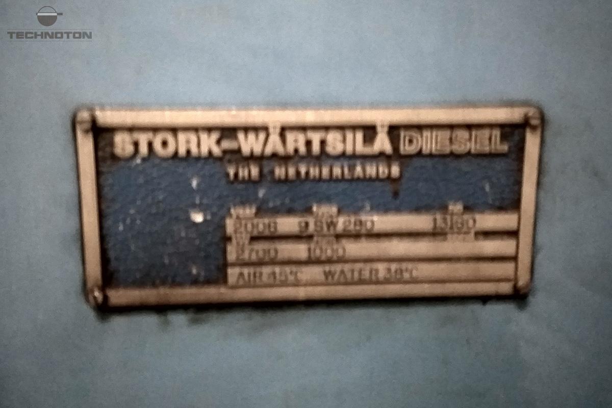 Placa de identificación del motor diesel Stork-Wartsila.