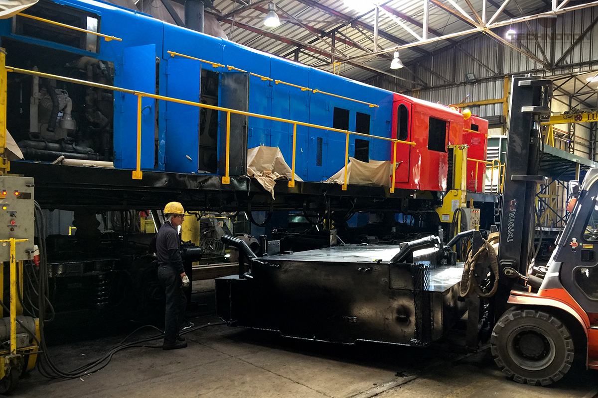 Removal of fuel tank from locomotive to provide possibility of fuel level sensor installation